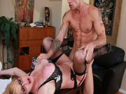 Curvy blonde Taylor Wane gets her cunt fingered and fucked in missionary position