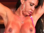 Italian whore Mariah Milano in sexy bra rides American cock