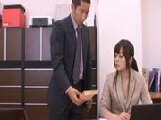Yuu Asakura Gets a Hot Day at the Office