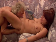 Pissing and cunt licking with kinky couple