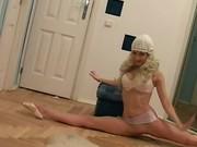 Skinny an flexible ballerina spreading legs for cock