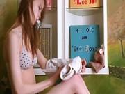 Beata teen spreading pussy lips