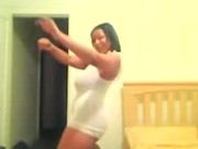 Bootylicious black MILF with huge boobs dancing