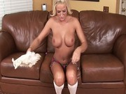 Blonde busty chick Brooke Belle shows us her nice pussy