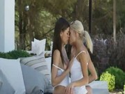 Two lesbians kiss her intimate places