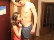 Amateurs couple handjob at corridor