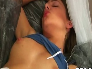 Cock gets stuck in pussy