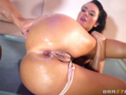 Franceska Jaimes takes cumshot in her ass