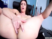 Jewels for the Duch-ASS with Casey Calvert -2