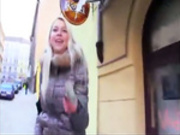 Blonde chick gets extra money by blowing