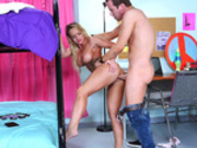 Student Cali Carter cheating on her boyfriend