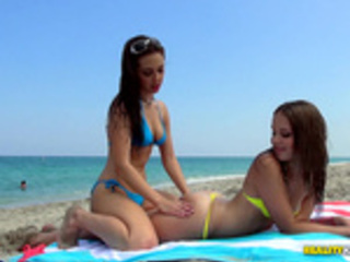 Day at the beach with Jenna Sativa and Liza Rowe