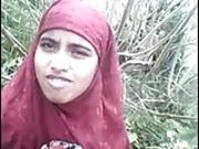 Bangladeshi Girl Showing Boobs and Pussy