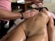 Abella Anderson enjoys herself a full body oil massage