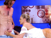 Hot blonde milf Julia Ann blows her masseur