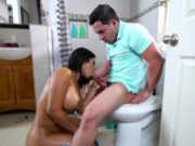 Rose Monroe gives Peter Green a blowjob on the toilet bowl