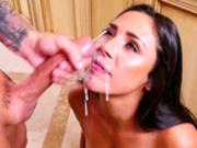 Anna Morna gets a nice creamy messy facial cumshot