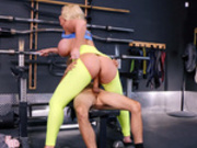 Milf Alura Jenson rides on young Ricky Spanish at the gym