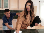 Katana Kombat Starring in: I'm Trying To Sell A House! - Brazzers HD