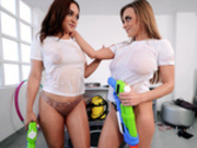Lesbian water fight with Ginebra Bellucc and Josephine Jackson